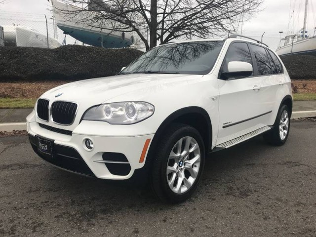 2012 BMW X5 xDrive35i in Barrie, Ontario